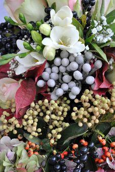 Free Flower Arrangement Royalty Free Stock Image - 21889546