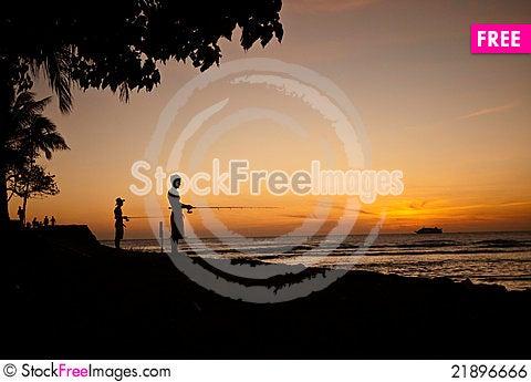 Sunset fishing at ala moana beach park free stock images for Moana fishing pole