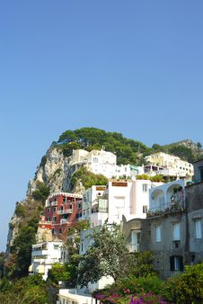 Free Italian Hillside Royalty Free Stock Photos - 21893848
