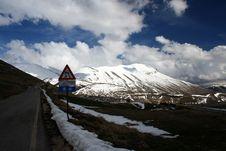 Free Castelluccio /winter Landscape Stock Image - 2193331