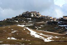 Free Castelluccio /winter Landscape Royalty Free Stock Image - 2193886