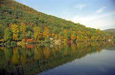 Free Hessian Lake At Bear Mountain Stock Images - 2195414