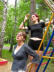 Free Two Girls Royalty Free Stock Photo - 2197205