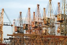 Free Old Elevating Cranes Royalty Free Stock Photography - 2199797