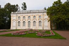 Free King Palace In Lomonosov Royalty Free Stock Image - 21900956
