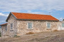 Free Small Old House Royalty Free Stock Image - 21901206