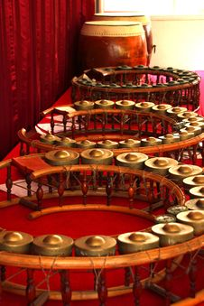 Free Round Shape Gongs - Musical Instruments Royalty Free Stock Photography - 21935597