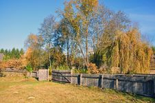 Free Traditional Wooden Fence From Transylvania Stock Images - 21936384
