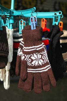Free Knitted Gloves Royalty Free Stock Photos - 21940318
