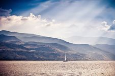 Free Alone Sailing Ship Yacht Stock Photography - 21940492