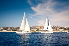 Free Sailing Ship Yachts With White Sails Royalty Free Stock Image - 21940566