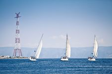 Free Sailing Ship Yachts With White Sails Royalty Free Stock Photos - 21940568