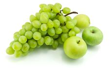 Free Bunch Of Green Grapes And Apples Royalty Free Stock Image - 21945566