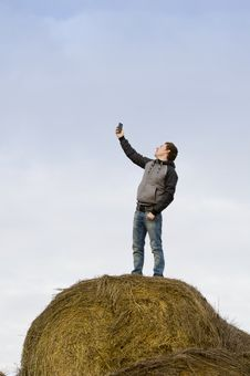Free Man Catch Mobile Signal Stock Photos - 21950753