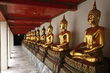 Free Buddha Statues At The Temple. Stock Photo - 21961160