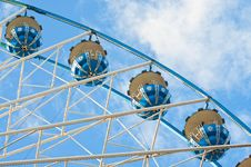 Free Ferris Wheel Cubicles Royalty Free Stock Images - 21963439