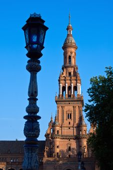 Free Tower Of Plaza De Espana, Seville Royalty Free Stock Images - 21980529