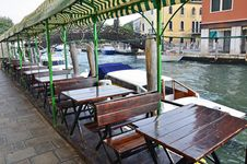 Free Venice Channel Terrace Royalty Free Stock Image - 21989636
