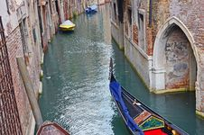 Free Gondola On Venice Channel Stock Image - 21989741