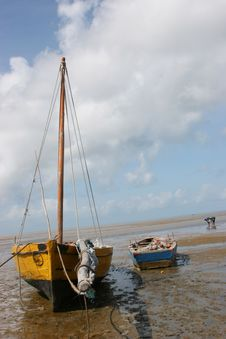 Free Boat On The Beach Royalty Free Stock Images - 221299