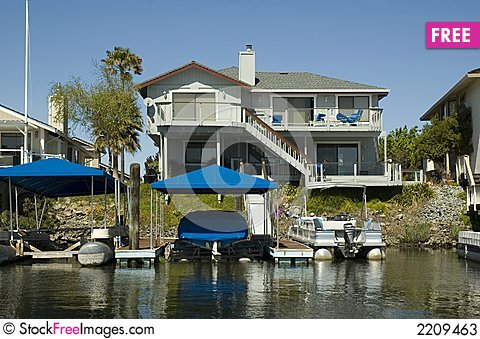 Free Executive House On The Water Stock Photos - 2209463