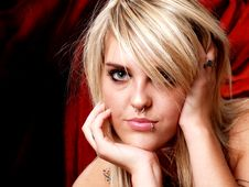 Free Tattooed Blonde Model Royalty Free Stock Images - 2202479