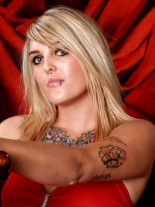 Free Tattooed Blonde Model Royalty Free Stock Photography - 2202507