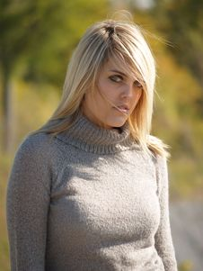 Free Blonde Model Outside Stock Images - 2205474
