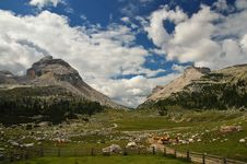Free Italy Dolomiten Royalty Free Stock Photo - 2206375