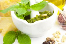 Free Fresh Italian Pesto And Its Ingredients Stock Photography - 22017882