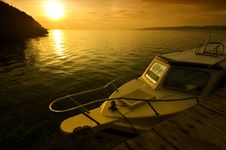 Free A Boat On Sunset Royalty Free Stock Images - 22031109
