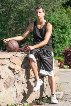 Free Basketball Player With Ball Royalty Free Stock Photos - 22037248
