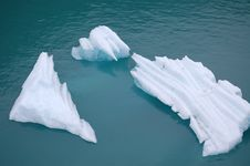 Free Floating Ice Stripes Royalty Free Stock Photo - 22038865
