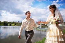 Free Happy Bride And Groom At Wedding Walk Stock Photography - 22044452