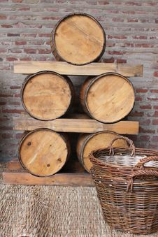 Free Wooden Barrels Royalty Free Stock Photos - 22050128