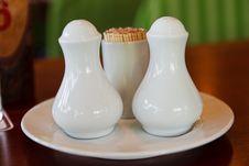 Free Oil, Vinegar, Salt And Pepper Set Stock Image - 22057791