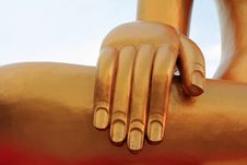 Free Hand Of The Big Golden Buddha Royalty Free Stock Photos - 22059198