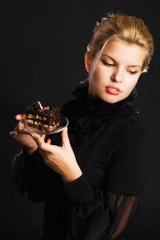 Free Gorgeous Woman With Chocolate Cake Royalty Free Stock Images - 22065789