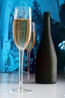 Free Glass Of Champagne Royalty Free Stock Photos - 22094278