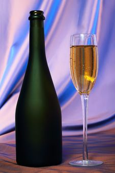 Free Glass Of Champagne Stock Photography - 22094282