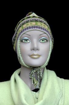 Free Mannequin Showing Alpaca Hat Royalty Free Stock Images - 2210529