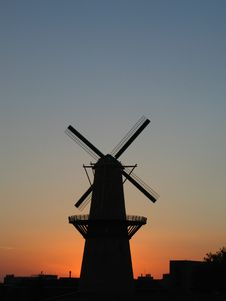 Free Windmill-Portrait-Close Royalty Free Stock Photos - 2210708