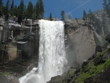 Free Nevada Fall Royalty Free Stock Image - 2211646