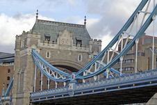 Full Arch Of The Tower Bridge Royalty Free Stock Image