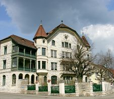 Free Nice Swiss Mansion 14 Royalty Free Stock Image - 2218586