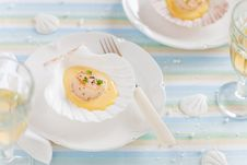 Free Scallops With Saffron Sauce Royalty Free Stock Images - 22100559
