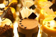 Free One Porsion Chocholate Cream Wet Cake Royalty Free Stock Image - 22101036