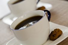 Free Coffee Cups And Cookies Royalty Free Stock Photos - 22114998