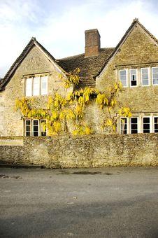 Free English Cottage Stock Images - 22121314