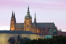 Free Evening Prague Castle Royalty Free Stock Photos - 22122248